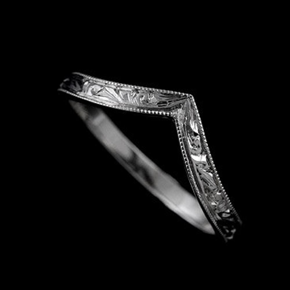 V Pointed Wedding Ring, Engraved Wedding Band, Vintage