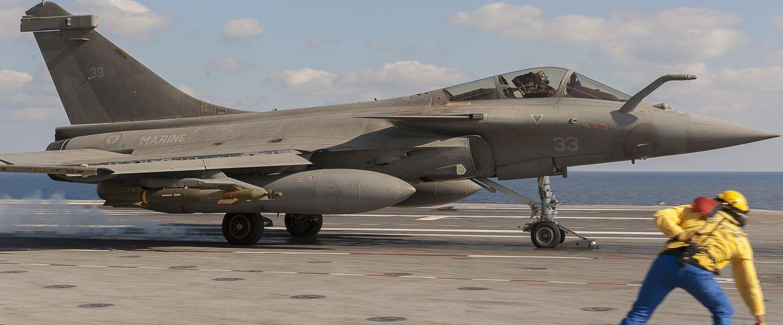 Force Morale Rp Defense Porte Avions Avion De Chasse Forces Navales
