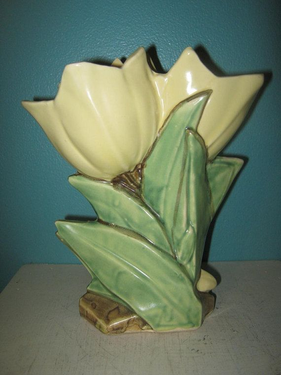 Mccoy Yellow Tulip Vase Green Leaves 8 Inches Tall Ceramic Vase