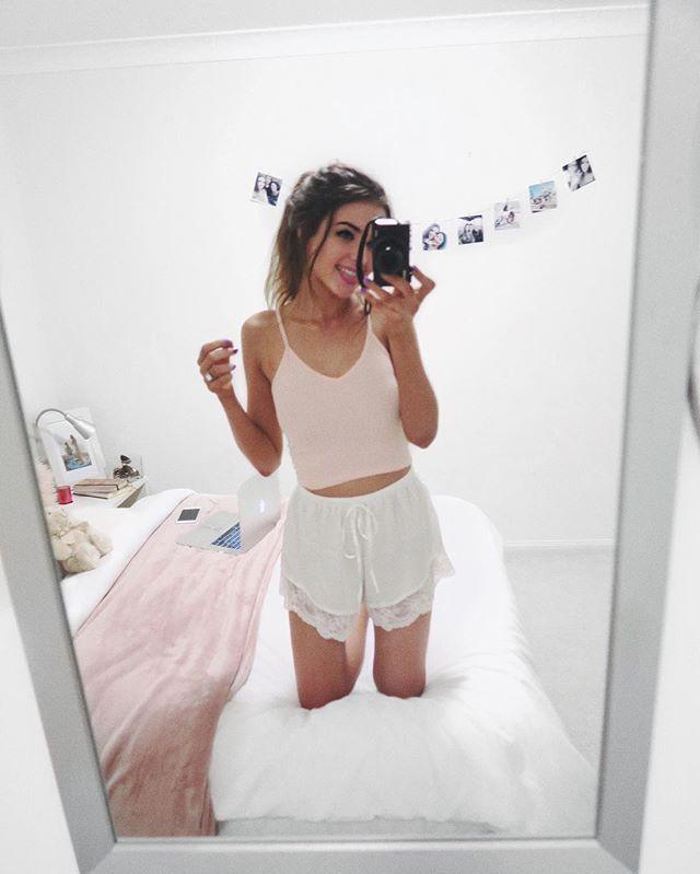 Bed rating brunette teen thank for