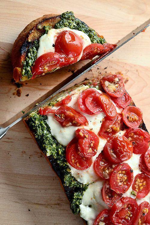 Photo of Bruschetta con Pesto, Pomodorini e Burrata – Preheat the oven to 350 degrees. Co…