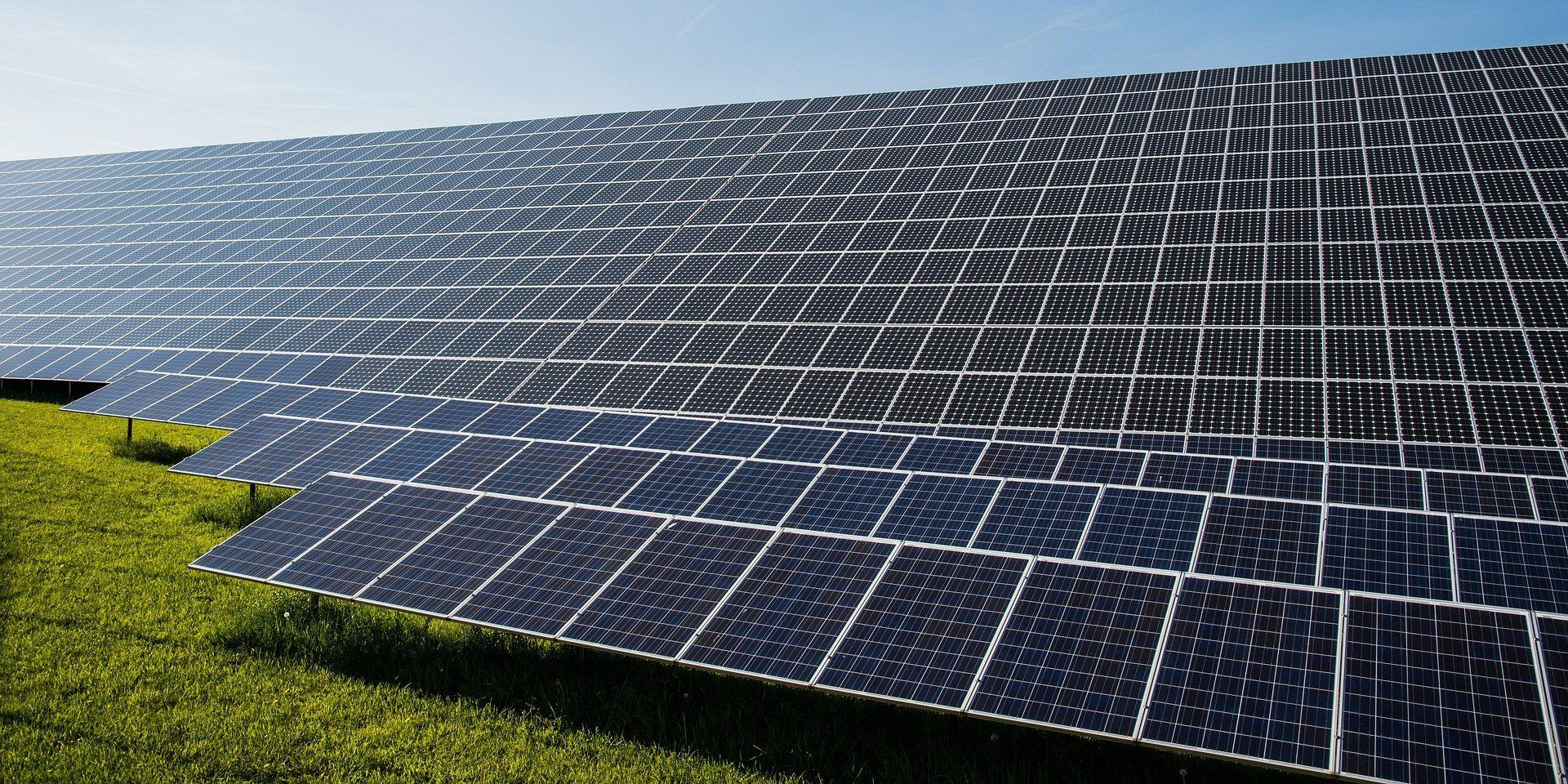 Today The Governor Of Minnesota Publicly Introduced A Proposal Aiming For 100 Percent Clean Energy Electrical Generation In Solar Farm Solar Renewable Energy