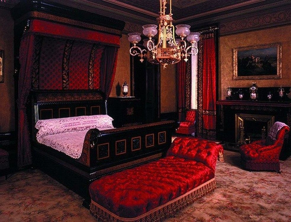 Black Gothic Bedroom Furniture Ideas | Bedroom ideas | Pinterest ...