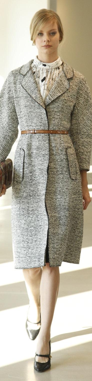 Oscar de la Renta Pre Fall 2016 women fashion outfit clothing style apparel @roressclothes closet ideas