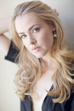Sexy amanda schull Amanda Schull