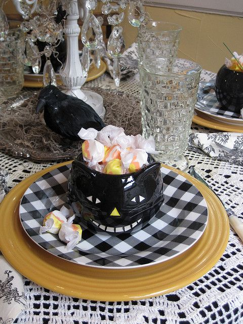Black Cat Place Setting Halloween halloween, Black cats and - halloween table setting ideas