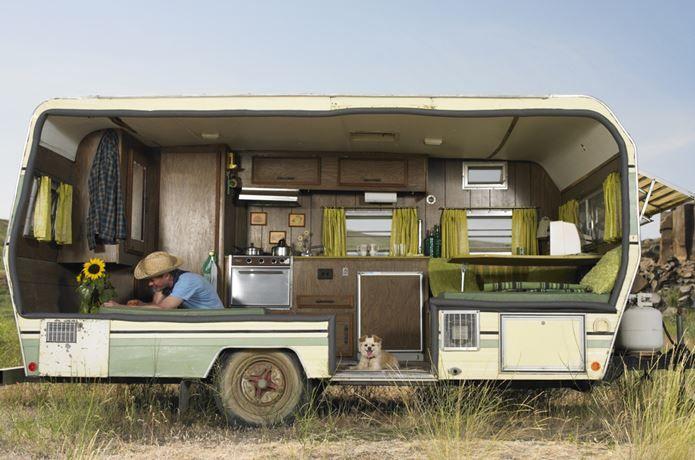 キャンピングカーは内装にもこだわりたい オススメ内装8選 Vintage Camper Remodel Camper Trailer Remodel Small Travel Trailers