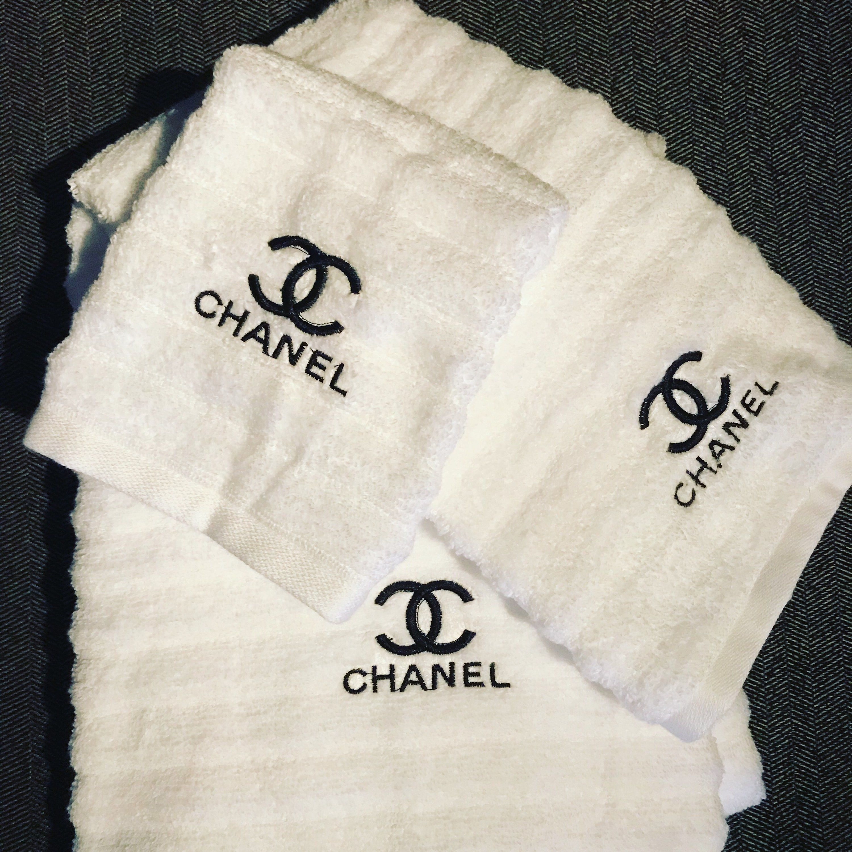 Monogrammed Luxury Bath Towel Set Hand Towels Wedding Gift Bridal Shower Housewarming Gi Embroidered Bath Towels Bath Towels Luxury Monogrammed Bath Towels