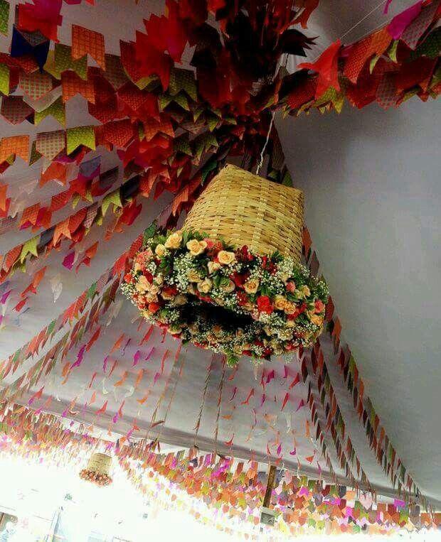 festajunina  decoração  detalhe  flores  bandeirinhas Festa Nordestina b7858437d26