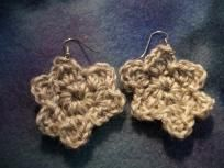 Flower variegated tan crocheted earrings