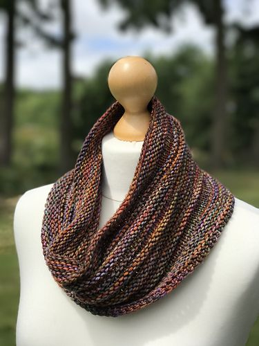 Easy One Skein Cowl Knitting Pattern In Malabrigo Rios Piedras