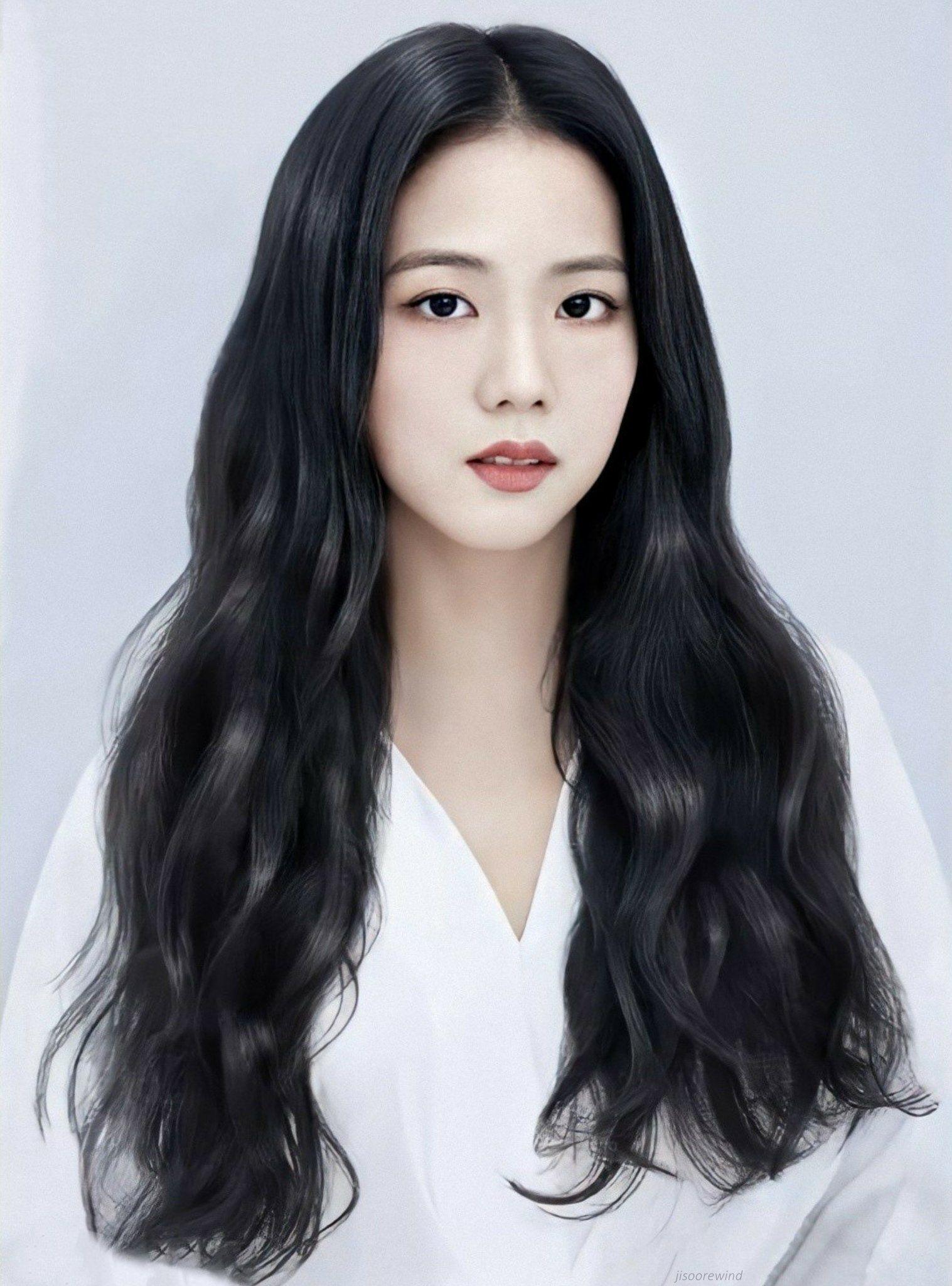jisoo🤍 on Twitter | Long hair styles, Black pink, Beauty