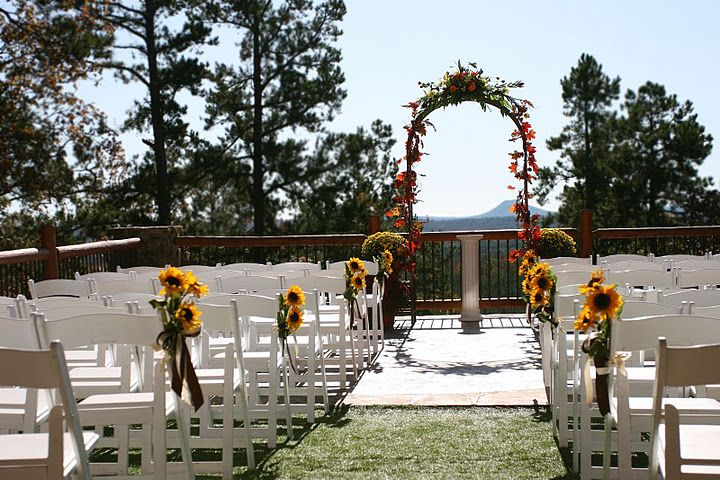 An Outdoor Wedding Venue In Little Rock Ar Anenchantingevening