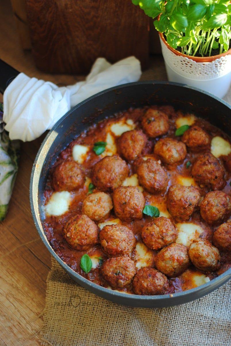 Pulpeciki W Sosie Pomidorowym Z Mozzarella Pasja Smaku Culinary Recipes Dinner Recipes Healthy Recipes