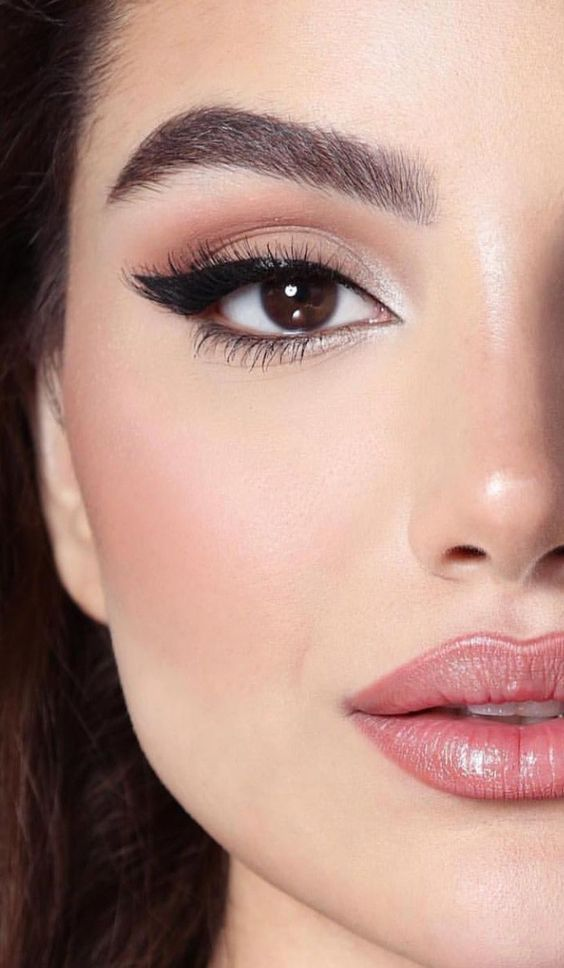5 tips para un delineado cat eye sin errores