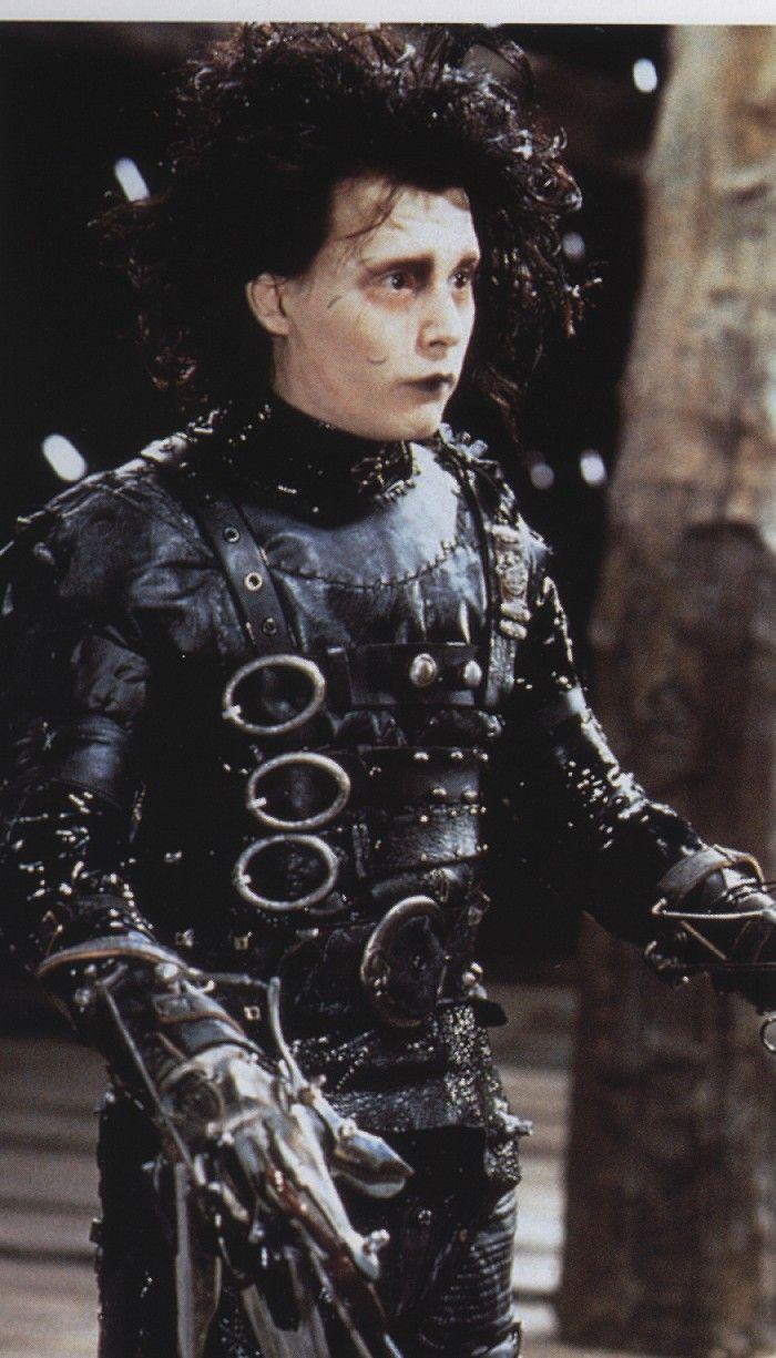 Johnny Depp Photo: edward scissorhands | Edward scissorhands, Colleen  atwood, Tim burton films