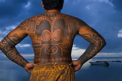 Origins Of Hawaiian Tattoos Maori Tattoo Gallery Hawaiian Tattoo Maori Tattoo Tattoo Cafe