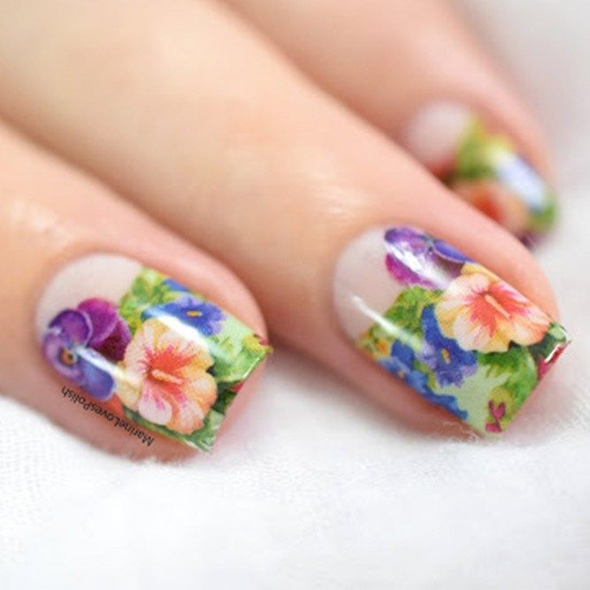 Best Ways To Redecorate With Green: Best Ways To Decorate Your Nails With Beautiful Flowers