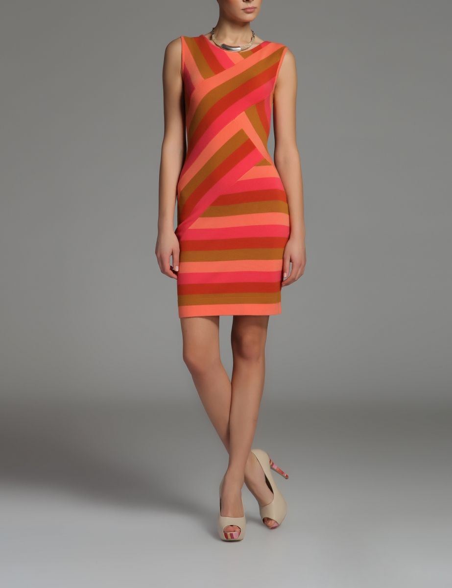 Stripes are so in next season. And this is one of the dresses on my wishlist!