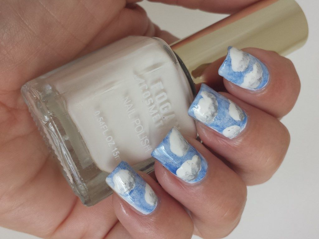 wolken nail-art. Met donker-tinten!