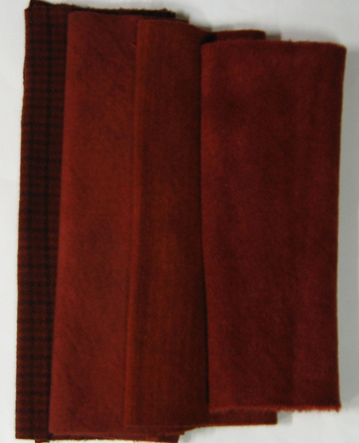 Rug Hooking Wool Red Strips