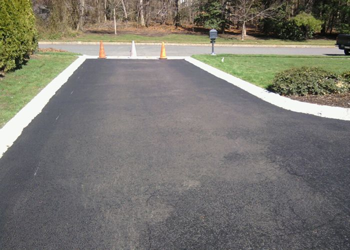 One of the best asphalt driveway #contractors #Manhattan for excellent quality #construction results. http://www.manhattangeneralcontractorsnyc.com/page/Asphalt-Driveway/  #AsphaltDriveway