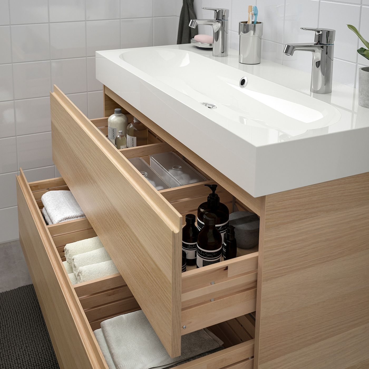 Ikea Godmorgon Braviken Waschbeckenschrank 2 Schublade Eicheneffekt Wlas Brogrund Mischbatterie In 2020 Waschbeckenschrank Ikea Godmorgon Ikea Bad