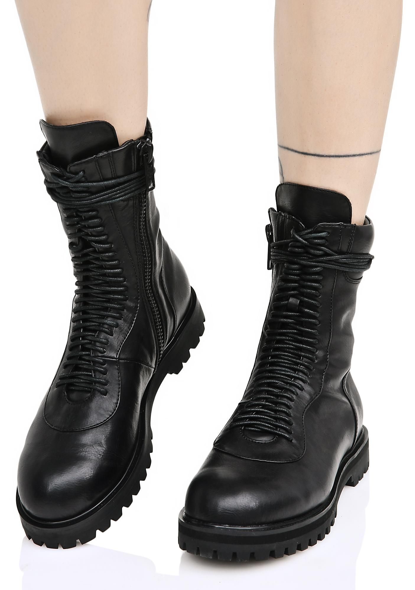 Blackout Boots | Current mood and Legs open