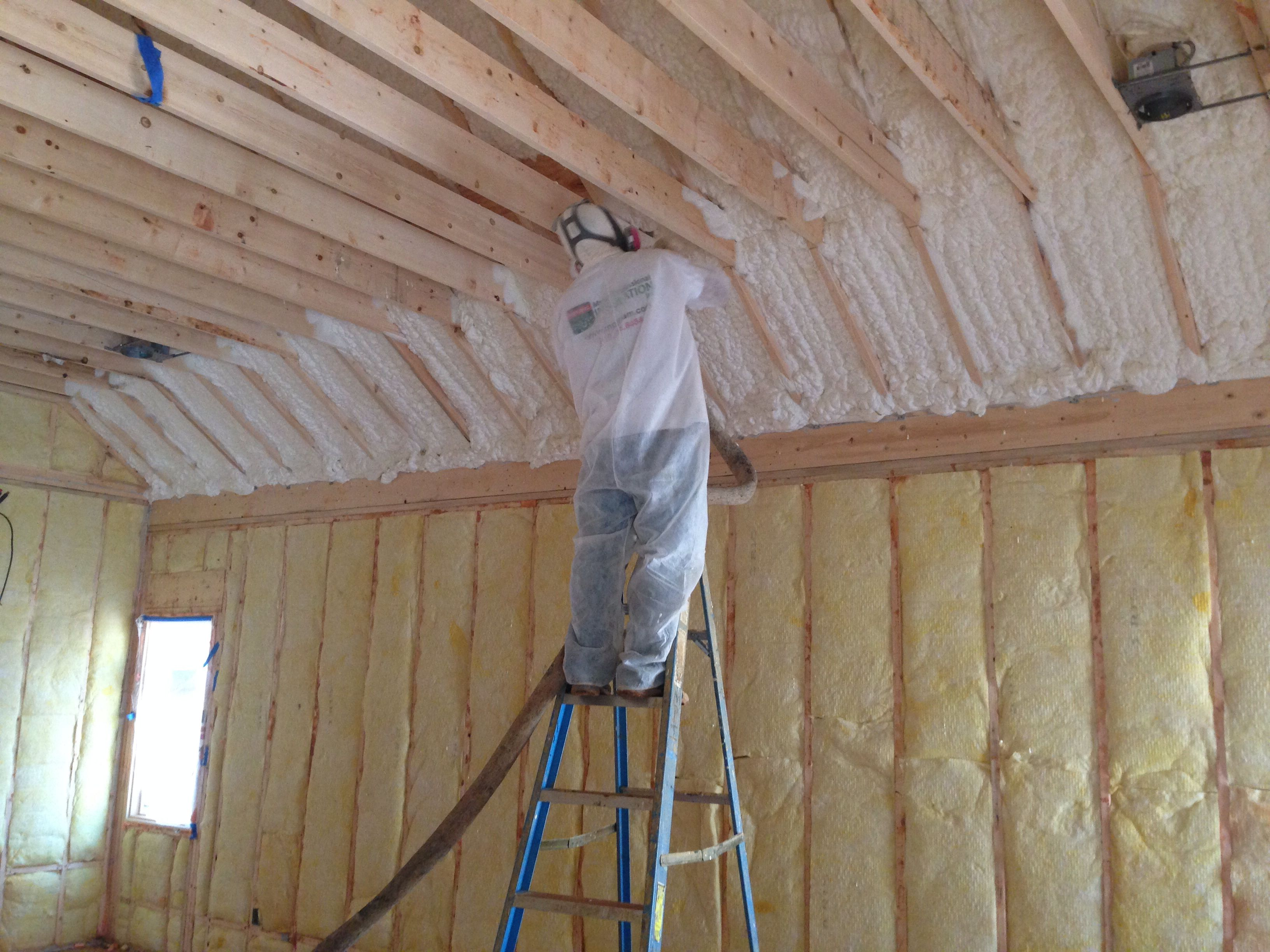 Hybrid Insulation With Fiberglass On The Exterior Walls And Spray