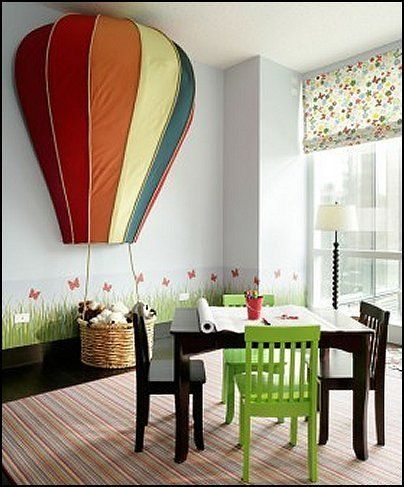 Up up and away in a hot air balloon toovia badouli for Bed decoration with balloons
