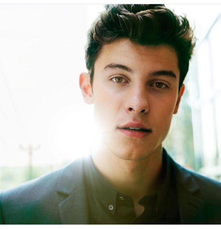 He is so hot!!!!