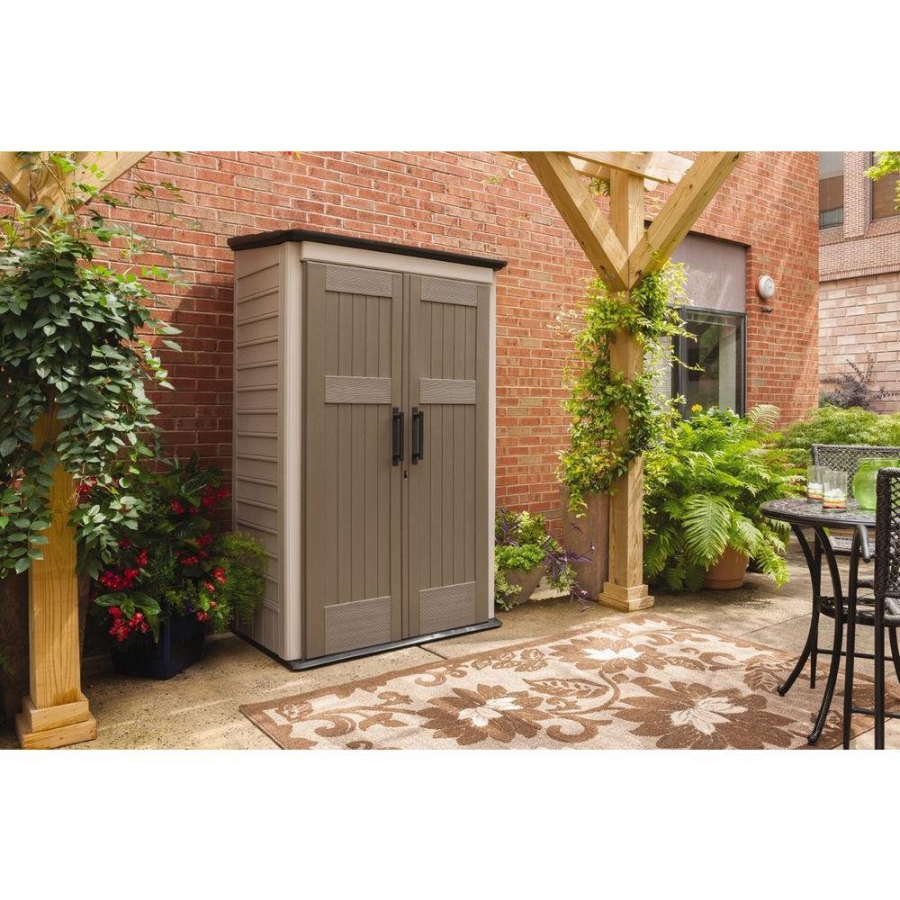 rubbermaid outdoor storage