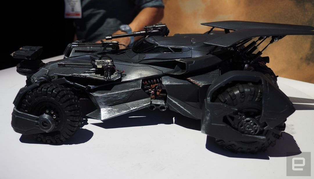 #Ocio #batman Un juguete de Batmobile que usa Realidad Aumentada