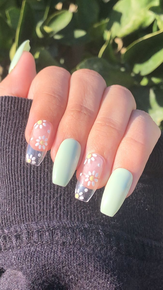 daisy nails | flower nails | summer nails | short