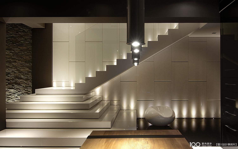 天井 雨露 現代風設計個案 100室內設計 Modern Stairs Staircase