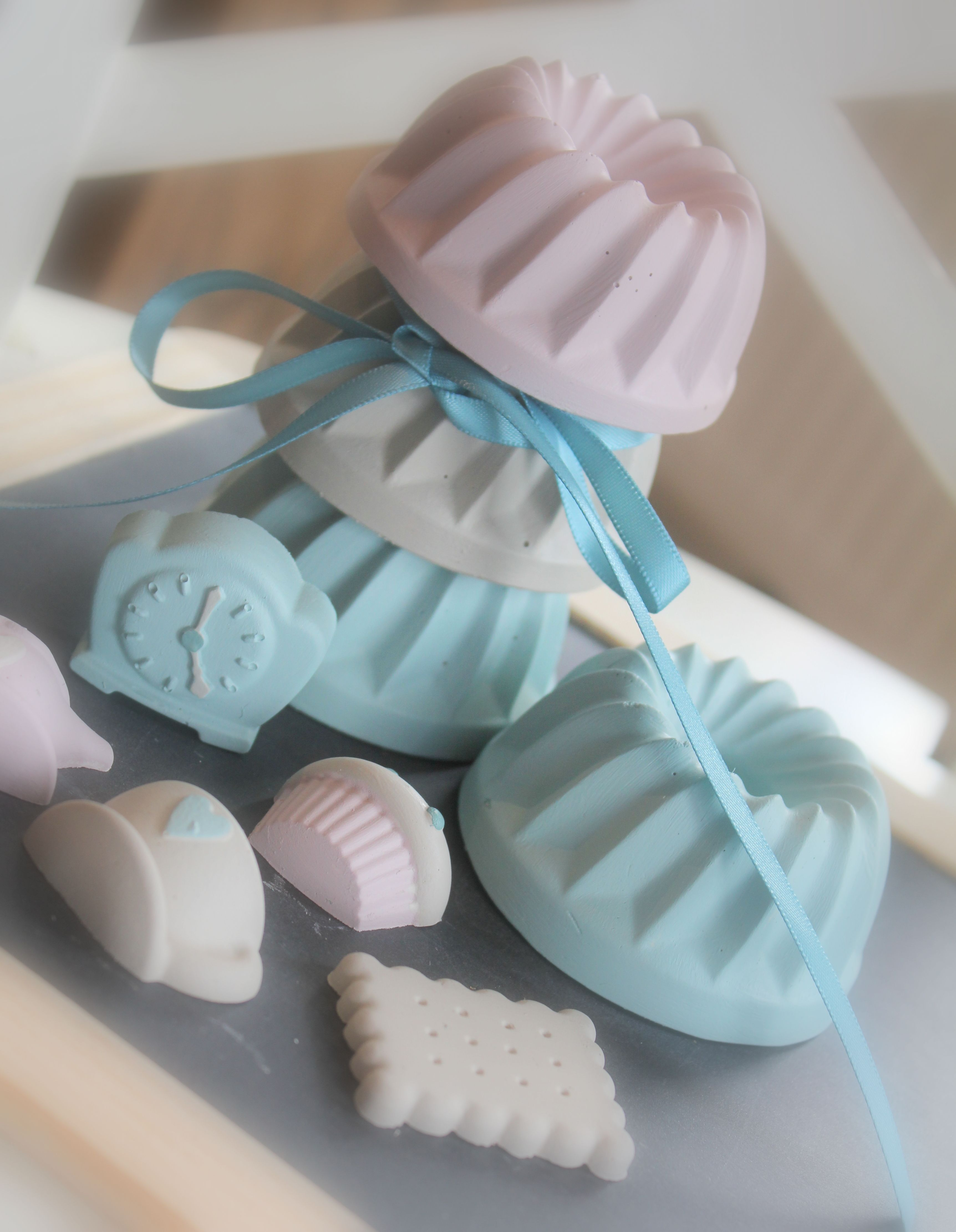 Cakejes van gips geverfd met painting the past le chic cards
