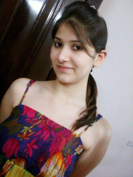 pic girls Desi college cute