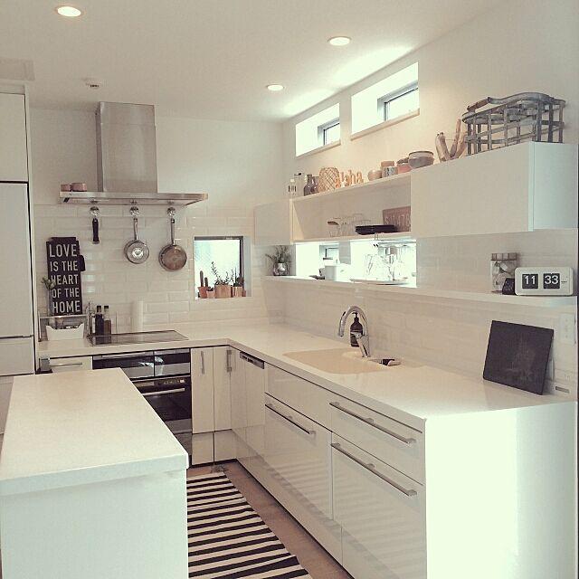 Kitchen Lixil L型 キッチン サブウェイタイル 造作棚 多肉 などのインテリア実例 2016 01 12 18 38 20 Roomclip ルームクリップ L型キッチン モダンなキッチンデザイン 小さなキッチン