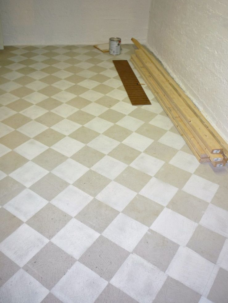 Checkerboard Painted Concrete Basement Floor In New Craft Room I M
