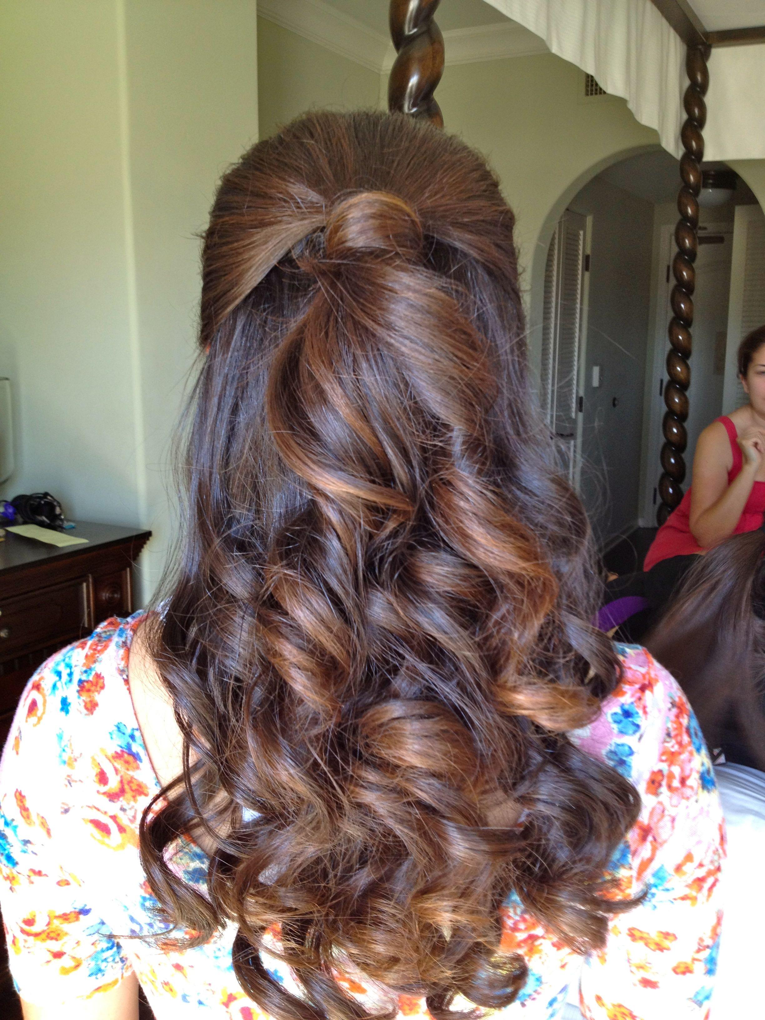 bridesmaid half up half down hairstyle | i'm as free as my