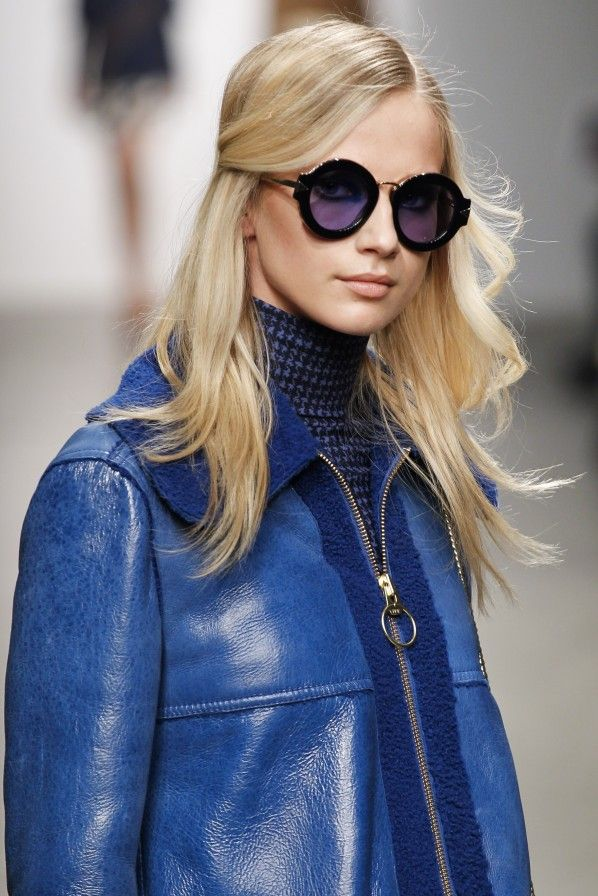Karen Walker – Sonnenbrillen 2015: Auch wenn das Wetter noch nicht immer passt... Diese schönen Sonnebrillen wollen sie sowieso auch bei Regenwetter tragen. Die Favoriten der Flair-Redaktion für den Sommer zum Nachshoppen.