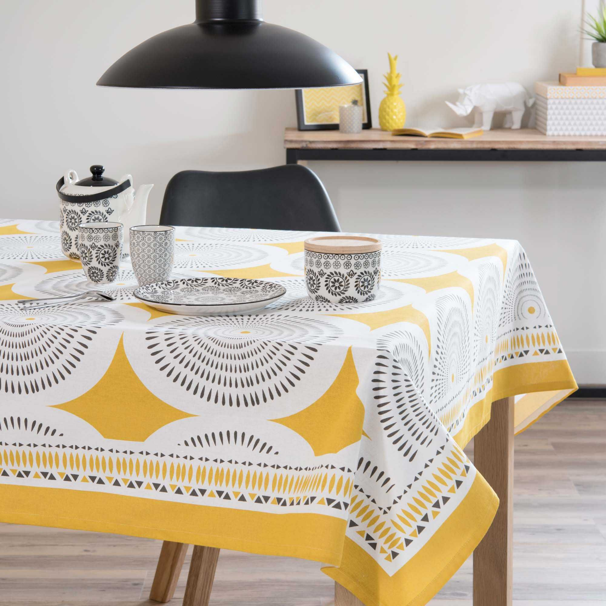 nappe en coton jaune gris 150 x 250 cm heliconia maisons. Black Bedroom Furniture Sets. Home Design Ideas