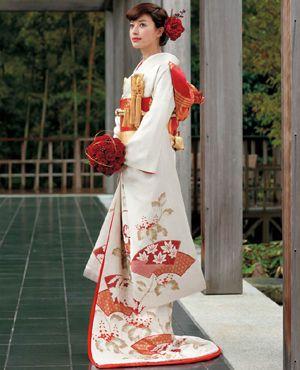 引き振袖  花嫁のお色直し・2次会・1.5次会で着られる着物画像