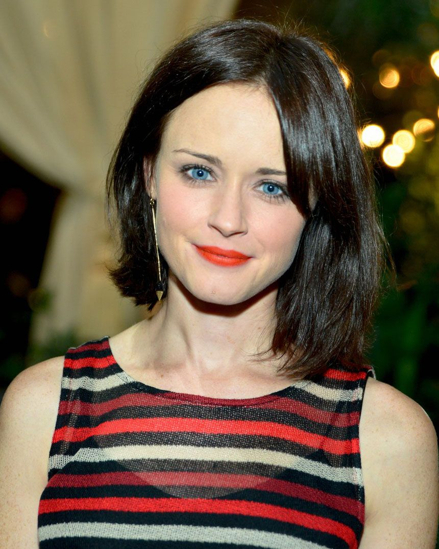 Alexis Bledel Short Hair Brown Hair Pale Skin Alexis Bledel Dark Brown Hair Pale Skin