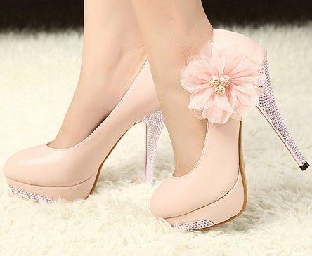 d41b5c2ad sapato de salto rosa claro com prato no salto e flor | Sapatos ...