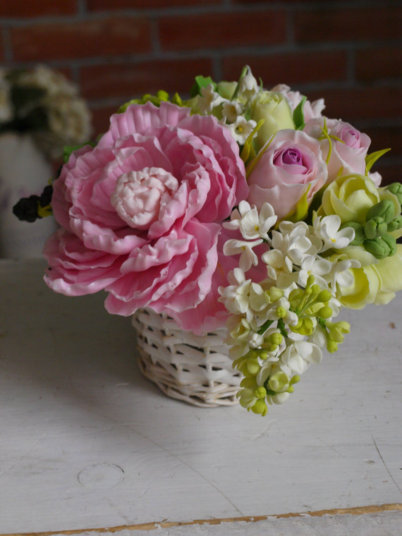 Cup with flowers. bouquet in a cup with roses . Shabby chic flower ...