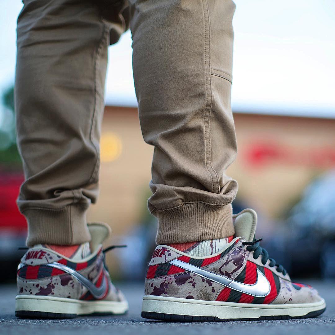 acheter le meilleur Livraison gratuite exclusive Nike Nike Freddy Krueger Sb Dunk Bas Sur Les Pieds acheter votre propre réduction Economique 2015 en ligne z8FBNA