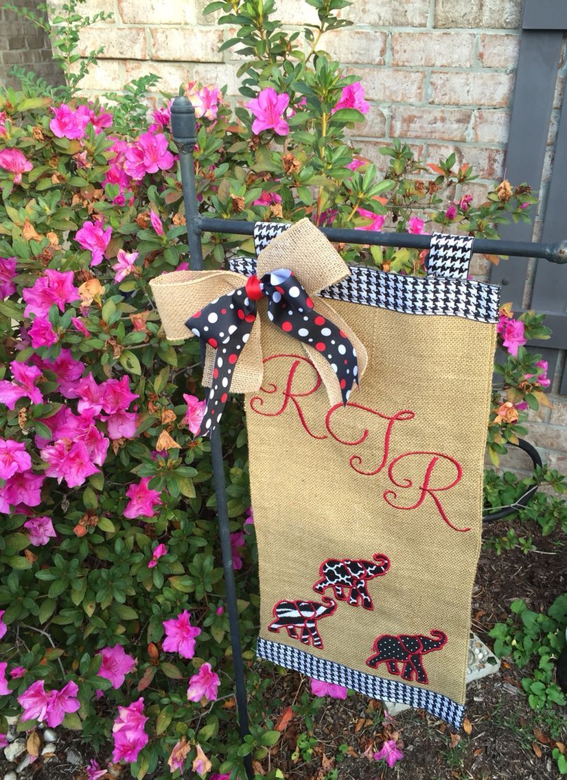 Roll Tide Roll! I made this burlap garden flag using my Brother 900d. Fun little project on the eve of the Bama v LSU game.