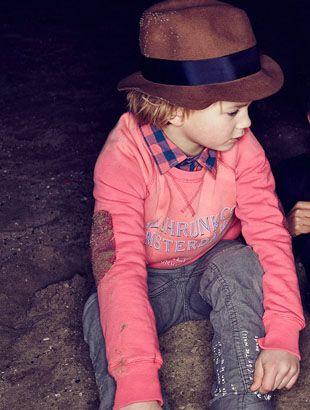 cutie  http://www.creativeboysclub.com/wall/creative