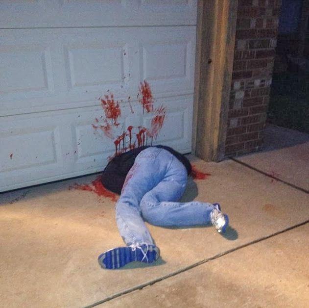 World Of Technology Halloween Decorations Causing Controversy (7 - halloween garage ideas